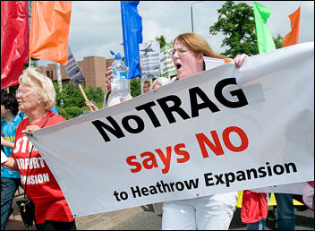 Heathrow runway expansion protests, photo Marc Vallée