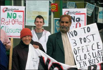 Leeds protest to stop Beeston post office closures, photo Nigel Poustie