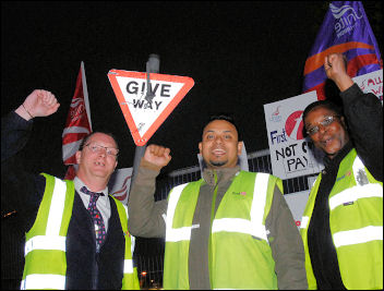 Pickets at the Leyton bus depot in East London, photo Paul Mattsson