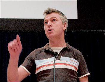 Glenn Kelly addresses Socialist Party congress 2009 in personal capacity, photo Paul Mattsson