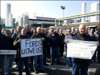 Workers picket Visteon at Basildon, photo Paul Mattsson