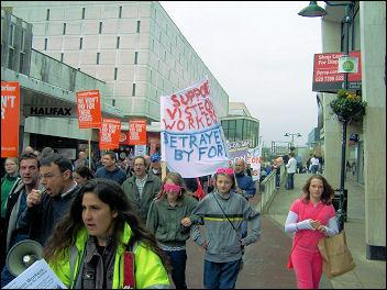 Basildon sacked Visteon car workers demonstrate, photo Greg Maughan