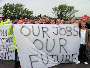 Workers strike at South Hook construction site near Milford Haven, Wales , photo Dave Reid