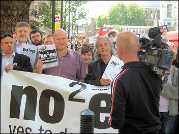 No2EU candidates Dave Nellist (second left) and Bob Crow at the launch of the No2EU manifesto, photo D Carr
