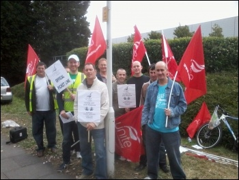 Striking Argos workers, Basildon depot, 19.9.12, photo by Dave Murray