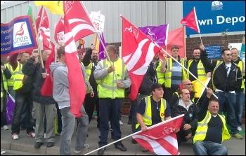 Southampton refuse strike 23 05 11 , photo Southampton Socialist Party