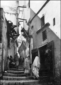 Algiers' casbah, 1900, photo by Ed. Maurice Culot and Jean-Marie Thiveaud, Institut Français d'architecture