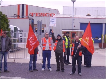 Tesco drivers strike in Doncaster, 9-10 October 2012, photo by Alistair Tice