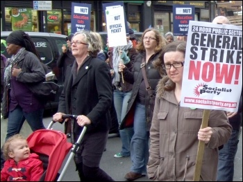 Tower Hamlets NUT joint strike action with Unison 31/3/11, photo by N Byron