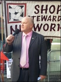 Bob Crow speaking at the NSSN's lobby of the TUC,  24.4.13, photo by N Cafferky, photo N Cafferky