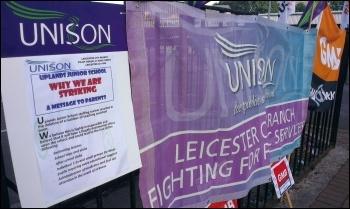 Strike at Uplands school, 4.9.13, photo by Steve Score