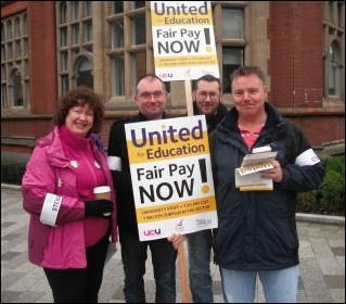 Pickets at Northumbria university, photo by E Brunskill
