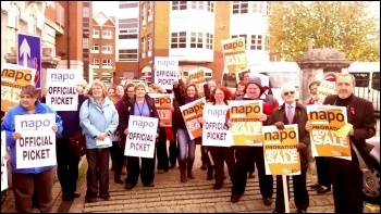 Southampton Napo picket, 5.11.13, photo by Nick Chaffey