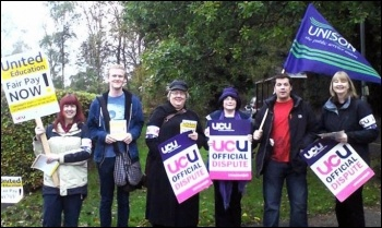 Pickets at Leeds Trinity, 31.10.13