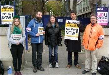 All entrances to Queen Mary University had a picket on 3 December 2013