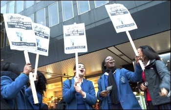 School students supporting the fight for the future of London Underground, photo Paul Mattsson