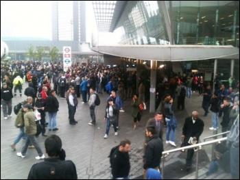 Stratford at 6.30am, tube strike, 29.4.14, photo by Helen Pattison
