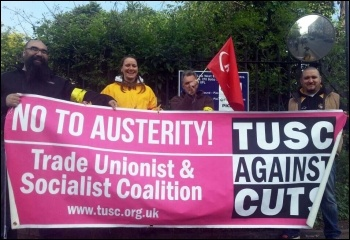 Pickets at Acton on Wednesday 30th April, photo by Paula Mitchell
