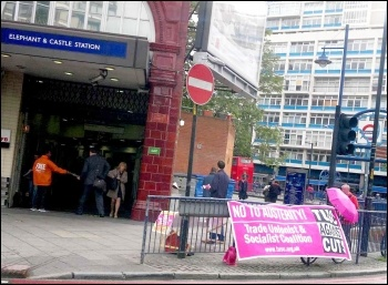 Elephant & Castle tube station, London, 22.5.14, photo by Gary Kandinsky