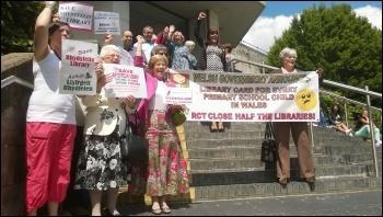 Rhydyfelin library campaigners, photo by D Reid