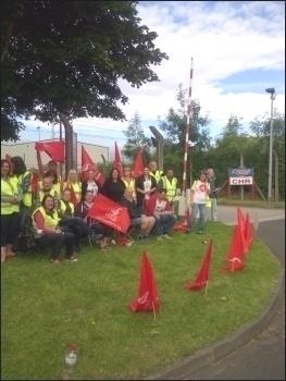 Argos strike, Wakefield depot, 4.7.14 , photo by Ben Mayor
