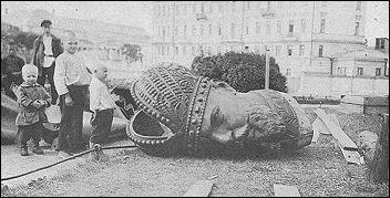 The dismantled statue of Czar Alexander III