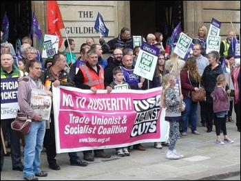 Hull rally, public sector strike 10.7.14, photo Hull SP