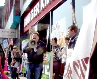 Bakers Union National President Ian Hodson on a protest for a £10 minimum wage, photo by Jim Jepps