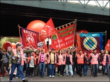Unite contingent leads, TUC demo, 18.10.14, photo JB