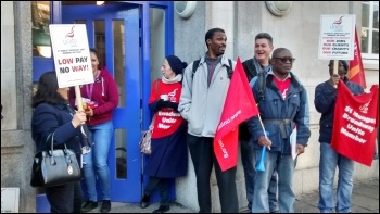 St Mungo's Broadway picket in Mare Street, Hackney, photo by Chris Newby