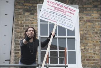 Reussel Brand on a New Era estate tenants' march in 2014, photo Paul Mattsson