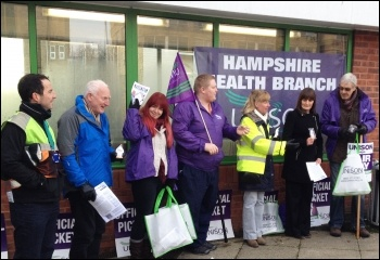 NHS picket in Southampton, photo Nick Chaffey