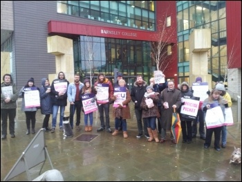 UCU members at Barnsley College begin a two day strike, 26.11.14, photo by A Tice