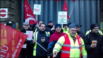 Bow garage, Unite London bus strike, 13.1.15, photo N Byron