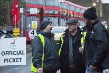 Clapton bus garage, London bus strike, 13.1.15, photo by Paul Mattsson