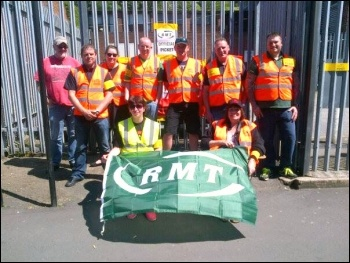 RMT strike on TPE, 7.6.15, photo by A Tice