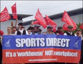 Protest outside Sports Direct HQ, September 2015, photo Elaine Evans