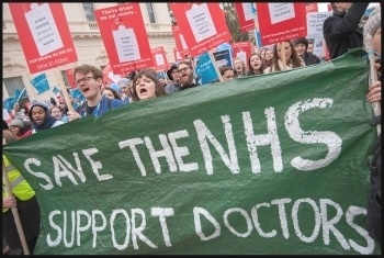 Doctors' demonstration 6.2.16, photo by Paul Mattsson