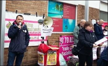 Rob Williams, NSSN, speaking, Port Talbot, 2.4.16, photo by Ken Smith