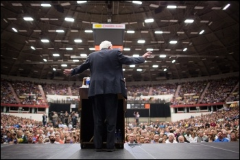 Bernie Sanders addressing a mass rally during the Democratic primaries campaign, photo by Bernie Sanders 2016 (Creative Commons)