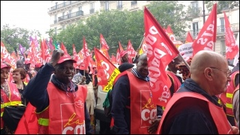 Port and airport workers on the 14 June demo in Paris, photo by Naomi Byron