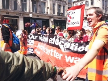 NUT marching in London, 5.7.16, photo Judy Beishon