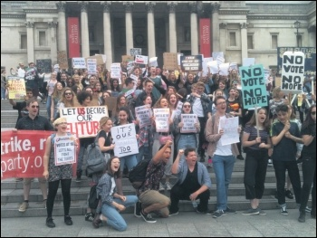 16 and 17-year-olds protesting to demand the vote, 3.7.16, photo Ian Pattison