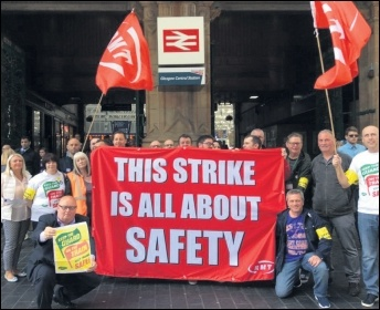 RMT picket line in Glasgow, photo by Socialist Party Scotland