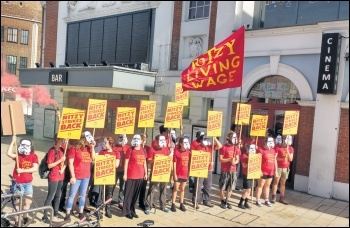 Ritzy Picturehouse picket line, Brixton, 24.9.16, photo by James Ivens