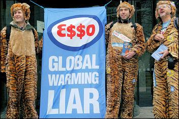 Climate change demo December 2005, photo Paul Mattsson