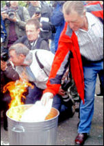 Lindsey Oil Refinery solidarity strikes: Publicly burning the redundancy notices , photo by Jim Reeves