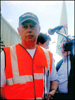 Lindsey Oil Refinery solidarity strikes: Keith Gibson addresses the workers, photo by Jim Reeves