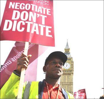 Postal workers strike, photo Paul Mattsson