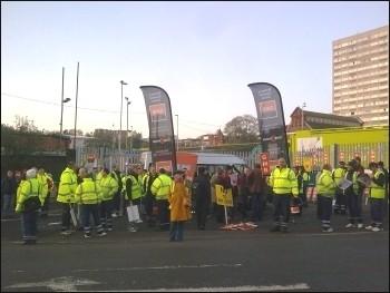 Brighton bin workers GMB picket line , photo Sean Figg